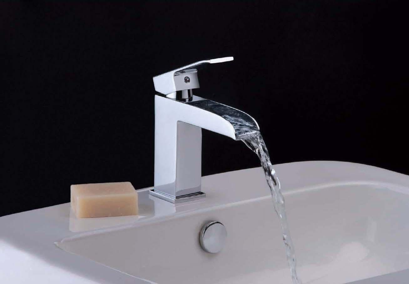 Rubinetterie paffoni carbonari il bagno e poi for Robinet design salle de bain